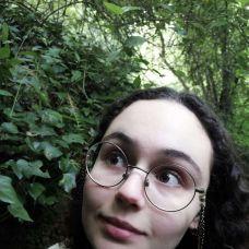 Beatriz Loreti - Cuidados para Animais de Estimação - Leiria