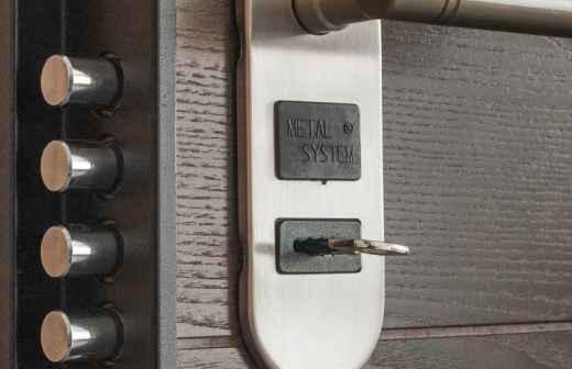 Instalação de Portas - Caseiro