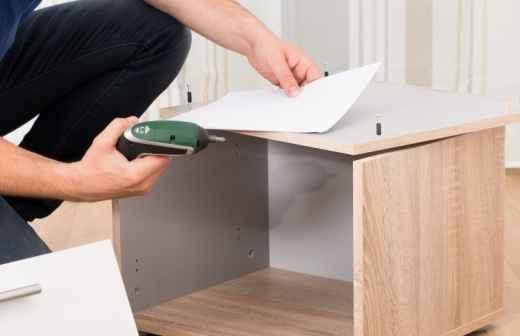 Qual é o preço de Montagem de Mobília? Fixando