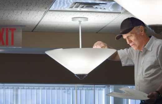 Qual é o preço de instalações de Iluminação? Fixando