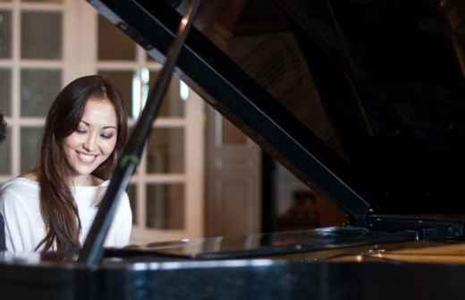 Aulas de Piano (para Crianças ou Adolescentes) - Hoje