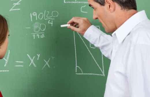 Qual é o preço de Explicações de Geometria na Guarda? Fixando