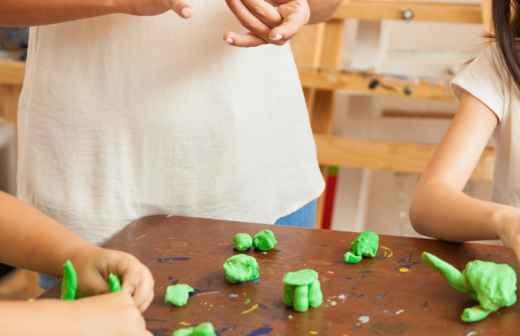 Aulas de Artes e Trabalhos Manuais - Pequeno