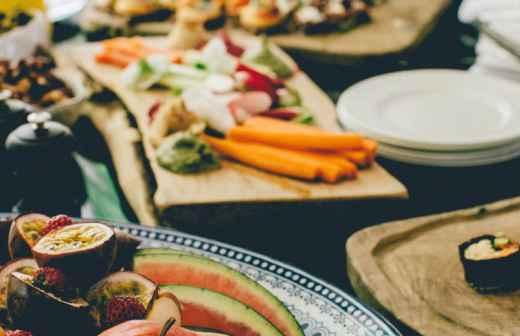 Qual é o preço de Catering de Casamentos? Fixando