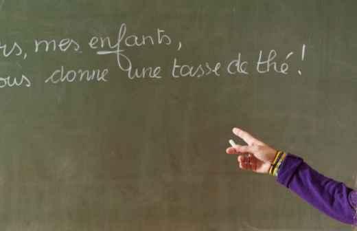 Qual é o preço de aulas de Línguas? Fixando