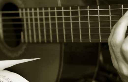 Aulas de Guitarra Baixo - Évora