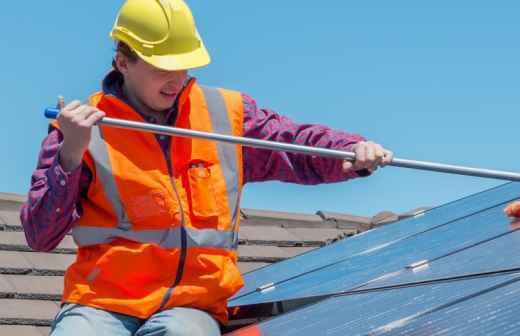 Limpeza ou Inspeção de Painel Solar