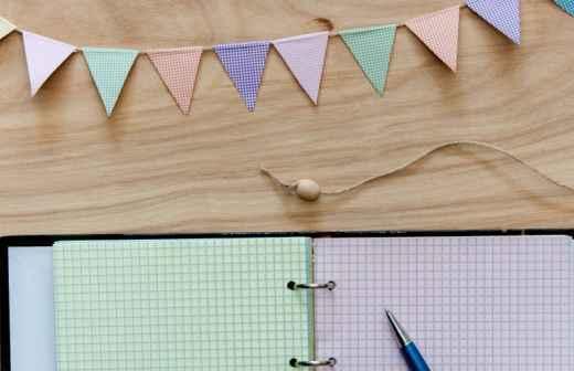 Planeamento de Festas - Empregado De Mesa