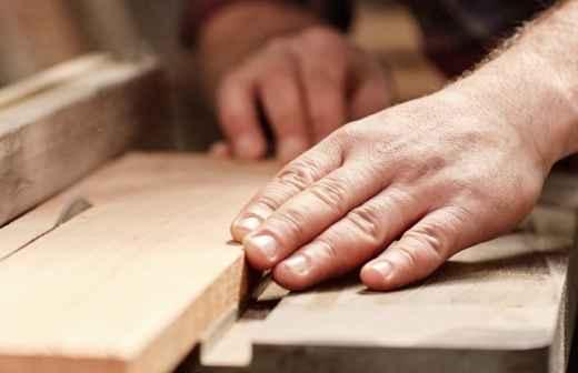 Carpintaria Geral - Pintar