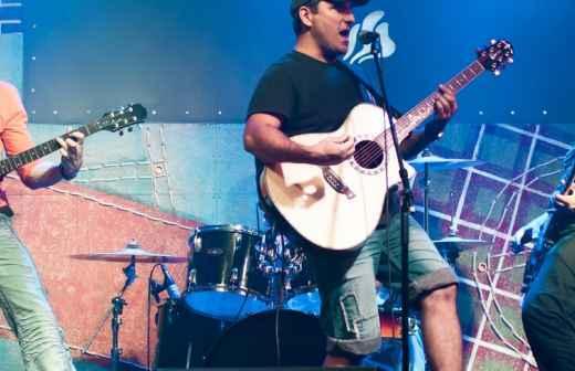 Entretenimento com Banda Rock - Bragança