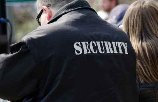 Qual é o preço de serviços de Segurança? Fixando