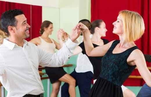 Aulas de Dança de Salão - Academias