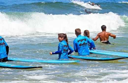 Aulas de Surf - Saltando