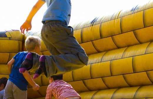 Aluguer de Insufláveis para Festas - Saltando