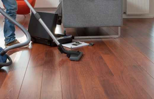 Qual é o preço de serviços de Limpeza? Fixando
