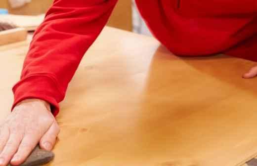 Carpintaria, Acabamentos e Modelagem de Ornamentos - Acabamento