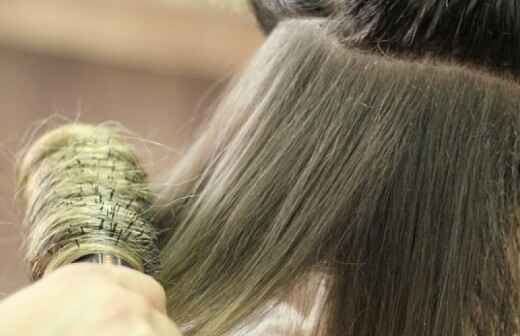 Hairdressers - Hair Highlights